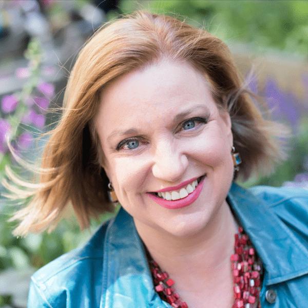 Headshot of Lisa Rothstein